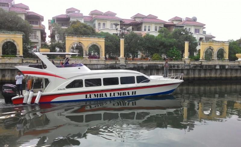 kapal lumba - lumba